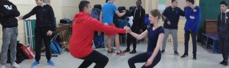 Taller de dansa contemporània amb l'alumnat de quart d'ESO
